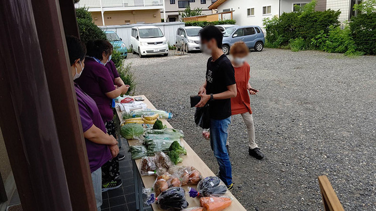 新鮮野菜販売会を実施しました03